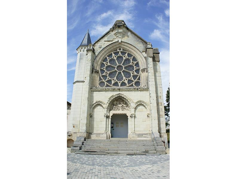 Centre d'art la chapelle Jeanne d'Arc patrimoine Thouars Thouarsais.jpg_2