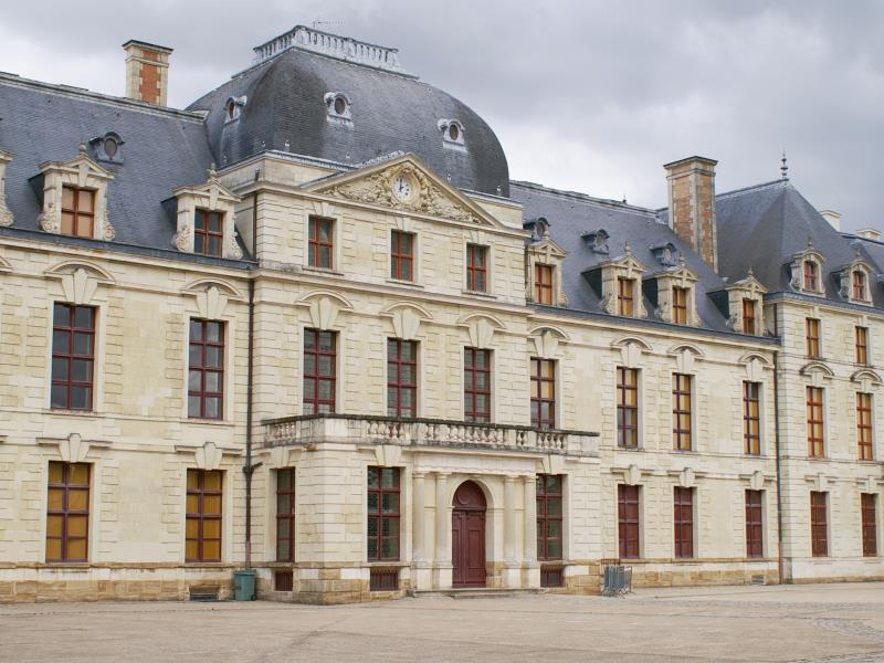 chateau_thouars2.jpg_1