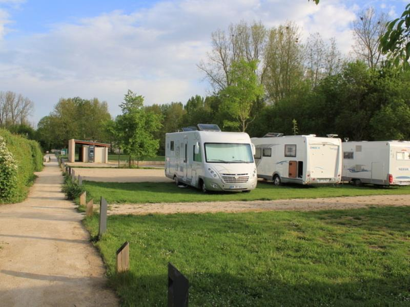aire-camping-car-coulon