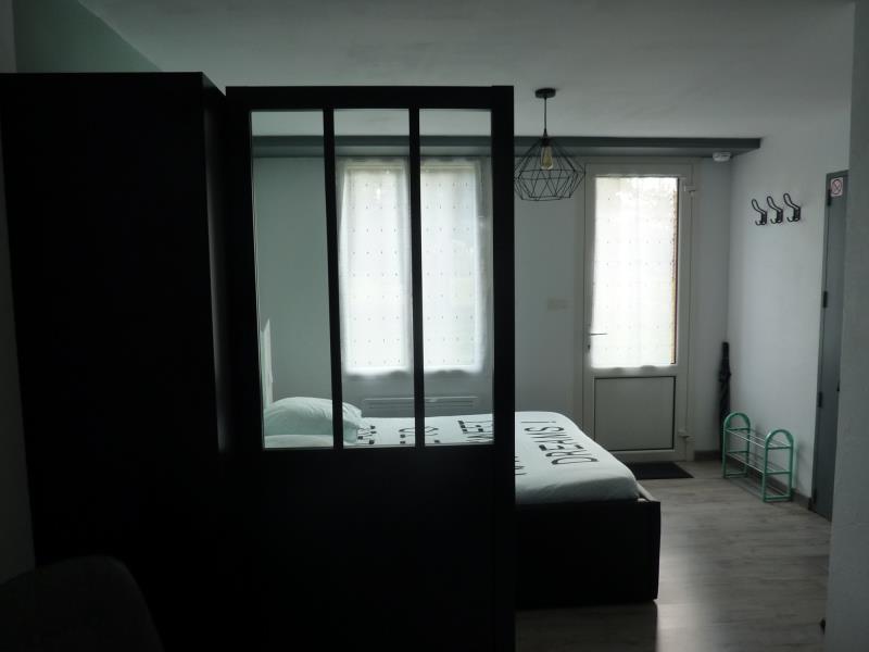 bressuire-gite-studio-la-turlure-chambre-entree