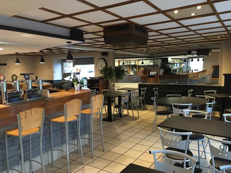 cerizay-hotel-le-cerizay-salle-restaurant2