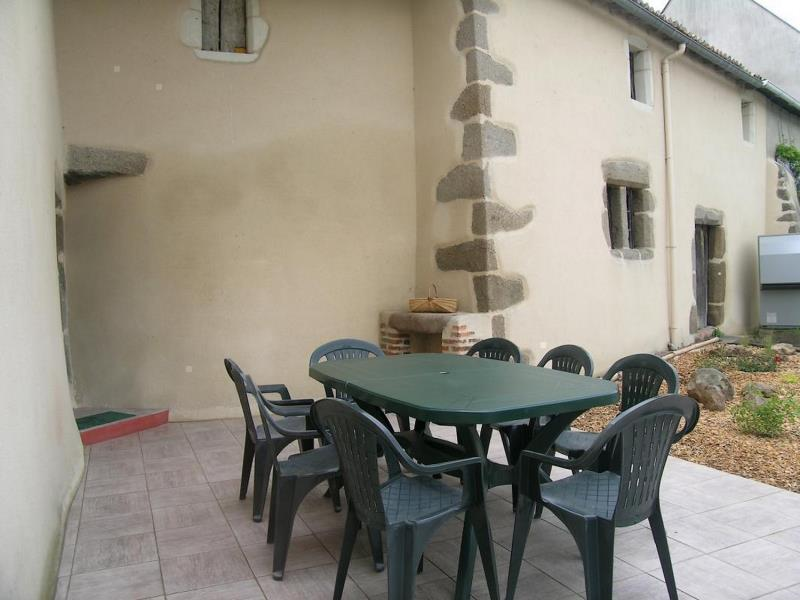 la-chapelle-gaudin-gite-la-thibaudiere-terrasse